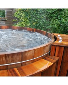Massage jets in houten hottub,  houten jacuzzi, houten spa